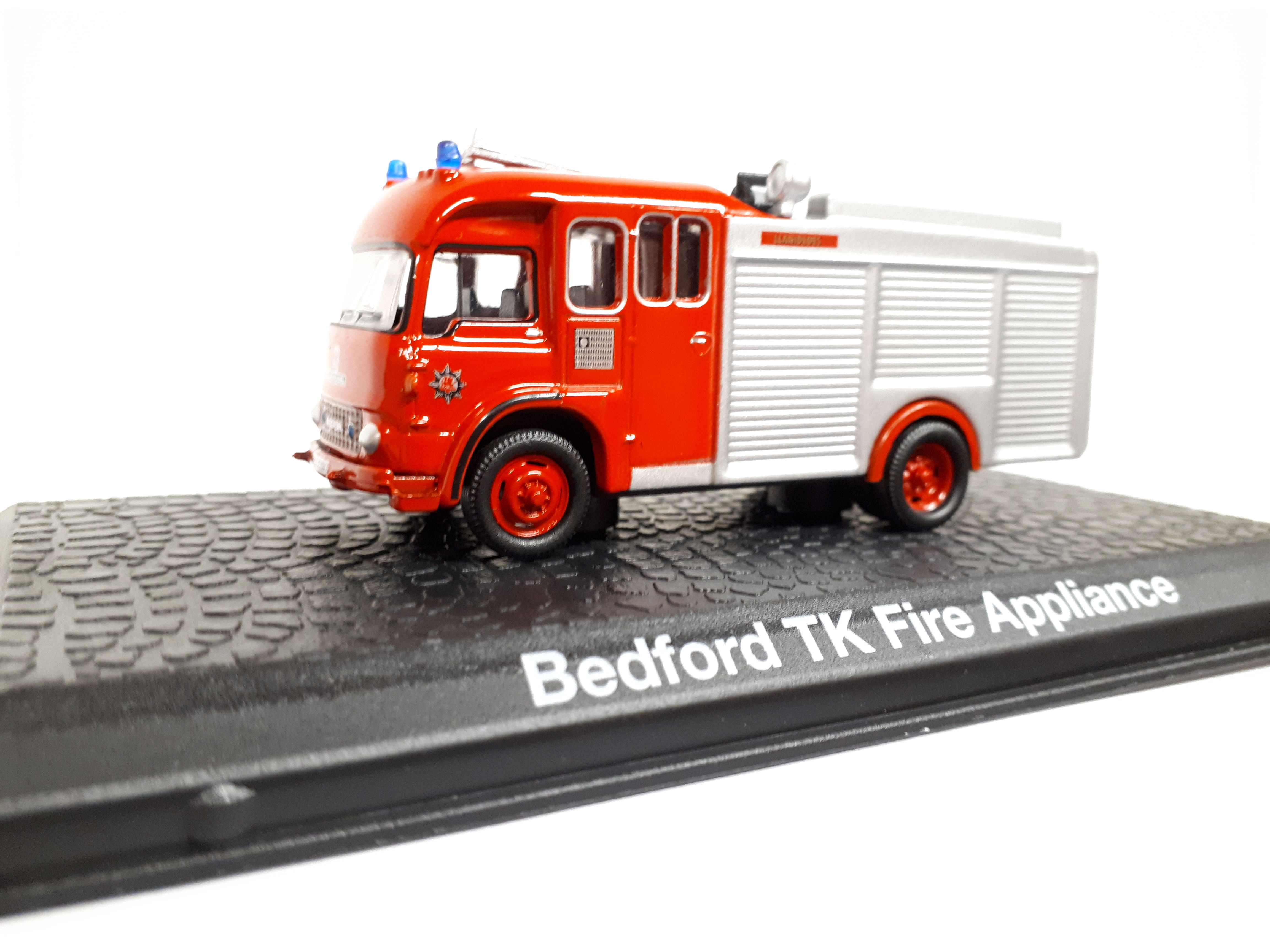 Kovové auto model Bedford TK Fire Appliance